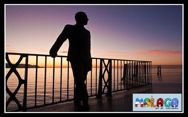 Amanecer en el Balcón de Europa en Nerja. Andrés Breijo